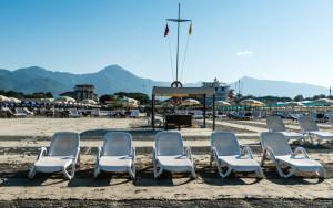 bagno stella bianca - la spiaggia con lettini