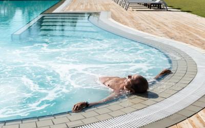bagno stella bianca - la piscina con idromassaggio